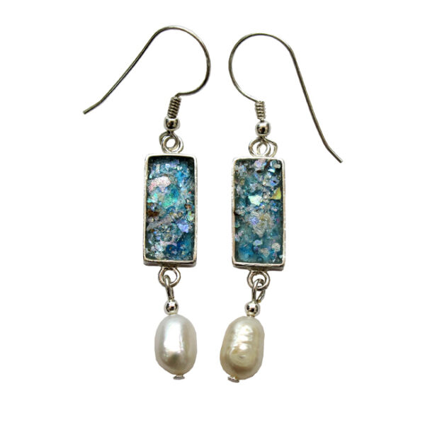 Aflange øreringe med perler og romersk glas