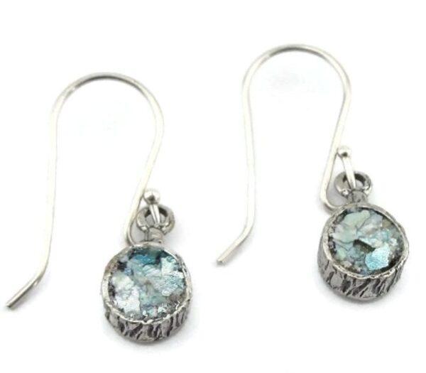 Hænge øreringe med blå glasfragmenter