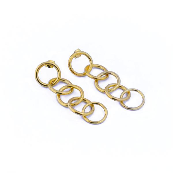Lange forgyldte øreringe med 4 ringe